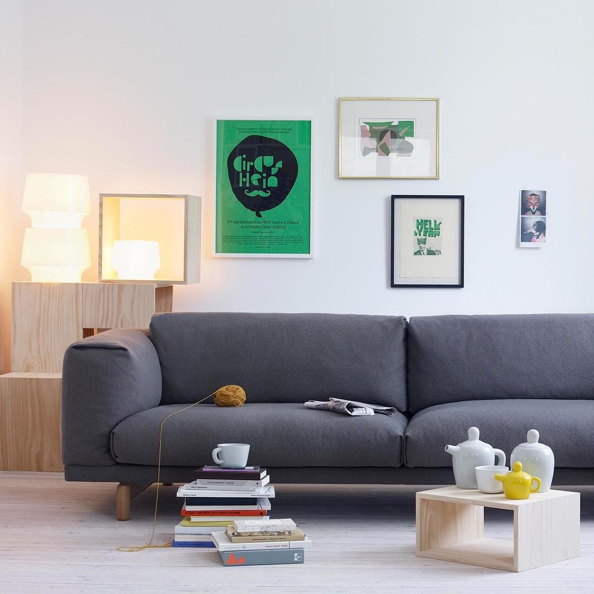 cosy in white lampe de table muuto. Black Bedroom Furniture Sets. Home Design Ideas