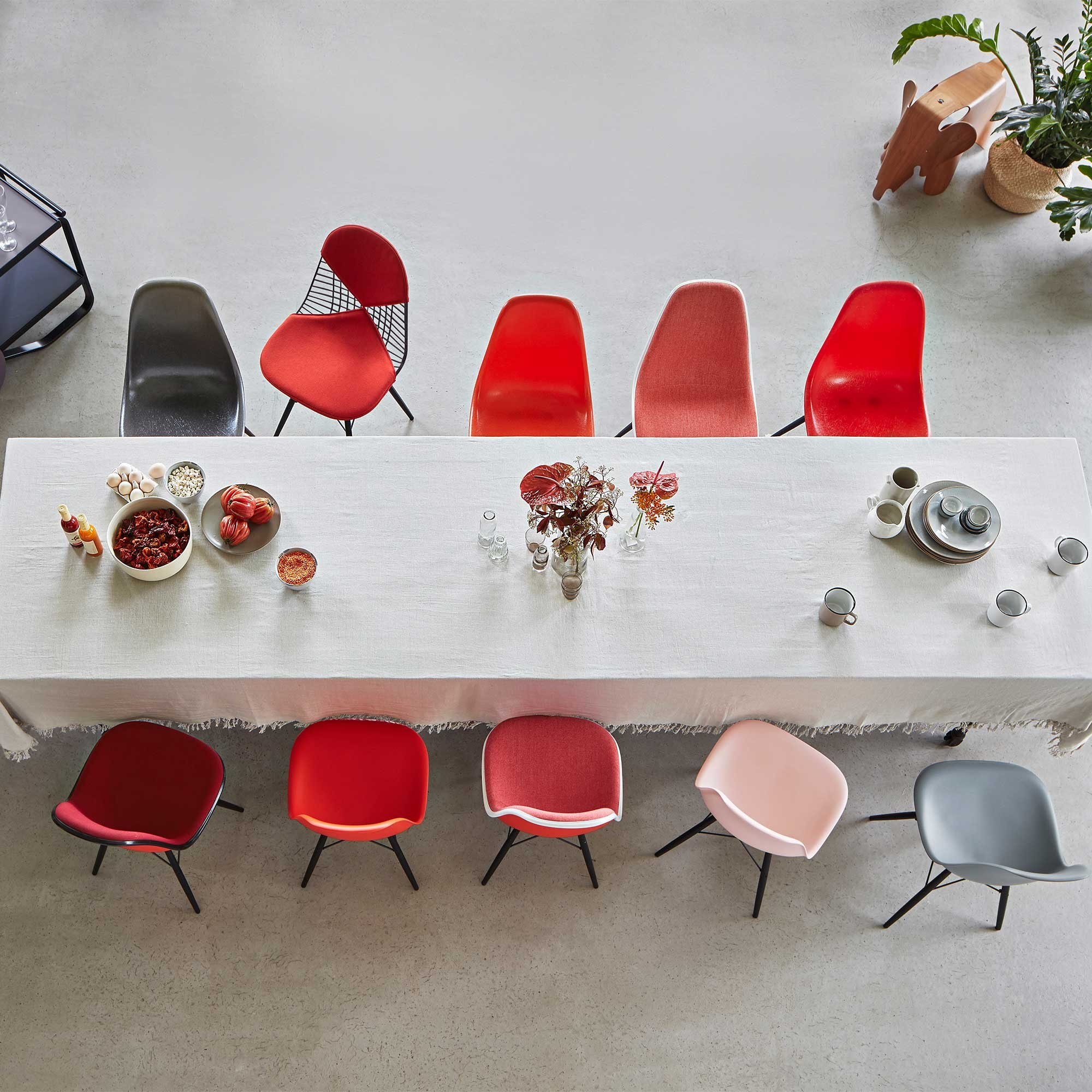 Eames Fiberglass Side Chair DSW Black Maple