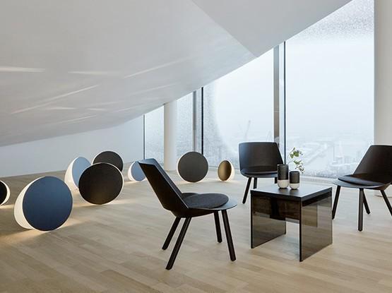 Großer Raum mit Sitzecke
